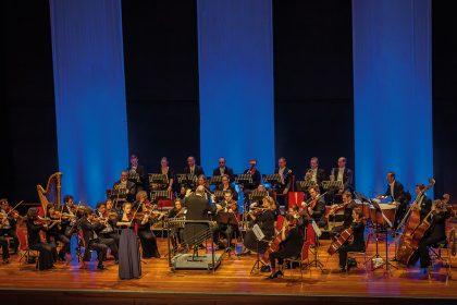 Kammerphilharmonie Rhein-Erft unter der Leitung von MD Christian Letschert-Larsson